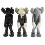 Kaws Small Lie, pełny set 3 figurek z edycji limitowanej
